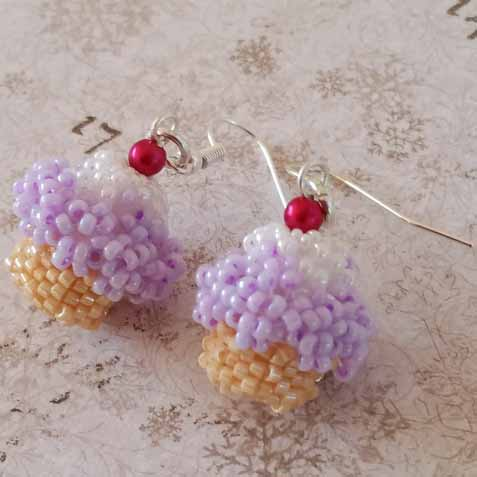 Inspiration: cupcake earrings made with beads